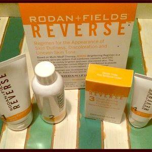 RODAN + FIELDS Reverse Brightening